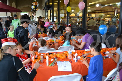 Gelson's Ghoulish Guests Stop by for a Spell