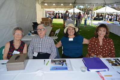 Rhoda and Howard Baker, Trish McRae and Emelita Bituin