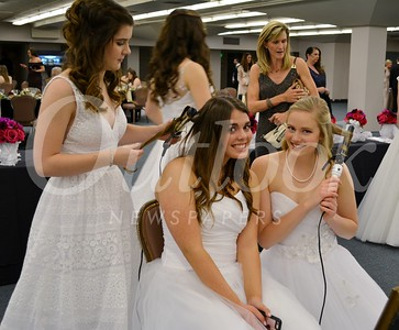 Young Ladies Honored at NCL Ball