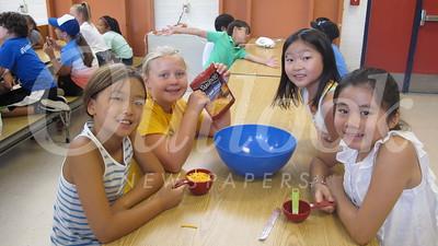 01 Rachel Lee, Anna Kleinbrandt, Megan Tiam and Yena Park