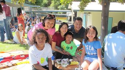 08Faith Que, Caroline Anderson and Emma, Grant, Nancy and Joshua Que