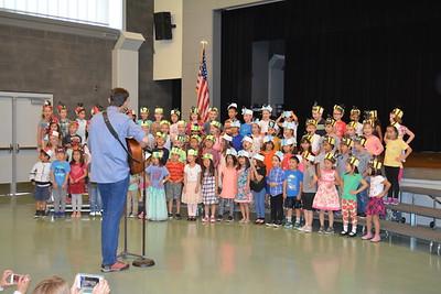 kindergarten classes Music teacher Jimmie Myers 989