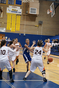 La Center Vs Ranier 2-20-10 023