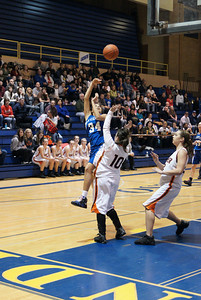 La Center Vs Ranier 2-20-10 015