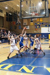 La Center Vs Ranier 2-20-10 035
