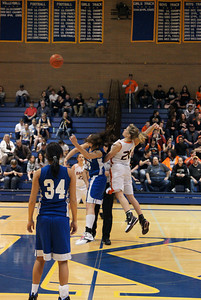 La Center Vs Ranier 2-20-10 011