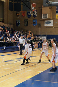 La Center Vs Ranier 2-20-10 036