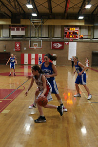 Var Girls Vs CR 1-26-10 024