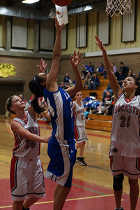 Var Girls Vs CR 1-26-10 034
