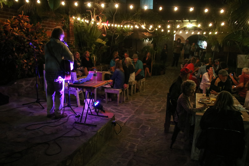 Todos Santos Nightlife