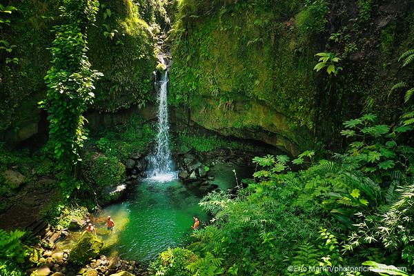ILE DE LA DOMINIQUE. La piscine naturelle et la cascade d'Emerald Pool