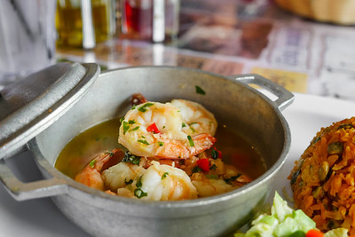 Camarones Al Ajillo (Shrimp with Garlic Sauce)
