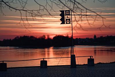 Coucher de soleil Loire - divers lieux - avril