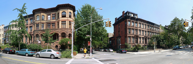 Washington Avenue (foreground) and Willoughby Avenues.