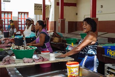 Vendedora en Mercado do Peixe. Mindelo, Sao Vicente (Cabo Verde)