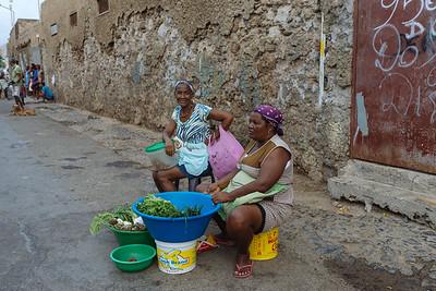 Vendedoras callejeras. Mindelo, Sao Vicente (Cabo Verde)