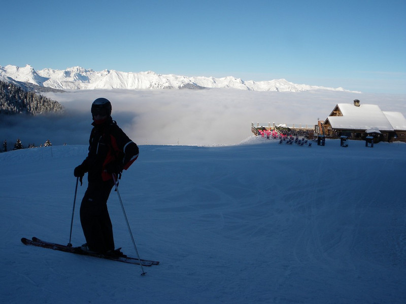 Cloud covering the valley with out favourite on piste restaurant Le Bouc Blanc in the background
