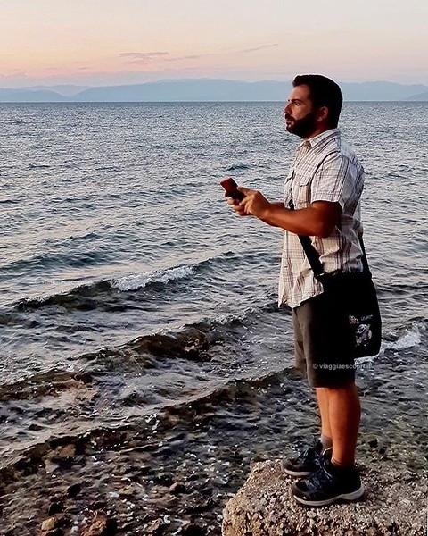 Grecia  Missing #Corfù so much 😢 Mi mancano i momenti lungo il mare osservando il tramonto a #Boukari Bay e cercando di scattare qualche foto che potesse immortalare la bellezza che avevo davanti agli occhi. Con me sempre gli articoli personalizzati