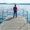 • Lost in the blue • Atmosfere lungo il lago di #Viverone, perso nel blu lascio correre i pensieri mentre l'acqua mi oscilla sotto i piedi e il cielo riempie i miei occhi. Pace #TurismoTorino #Piemonte #Anzasco #Piverone