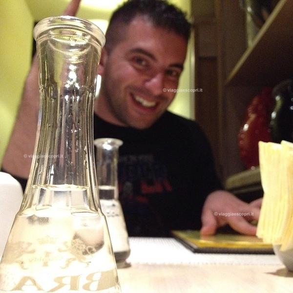 #viaggiaescopriromania Questa sera proviamo la #Tuica prima di cena dicono meno forte della #Palinca e serve a preparare lo stomaco.... Alla cena.....