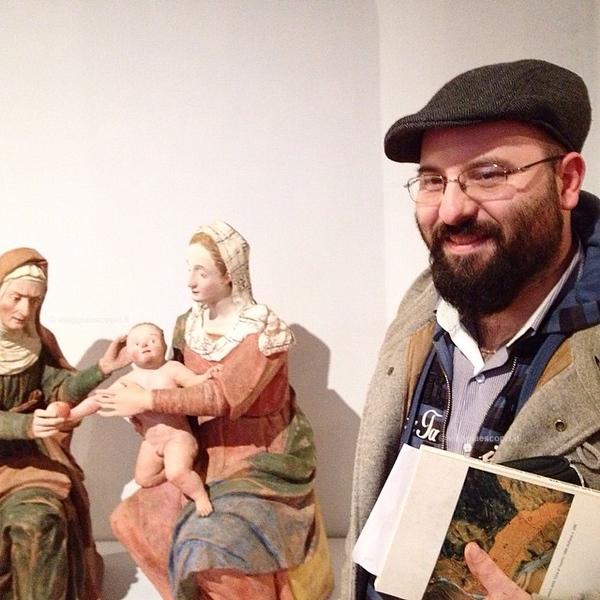 Simone Berardi a #Varallosotterranea in visita alla Pinacoteca di Varallo, ci mostra la Sant'Anna con la Vergine con bambino, opera a lui molto cara per il difficoltoso processo di restauro necessario a ricostruirla. Le parti di questa scultura, provenien