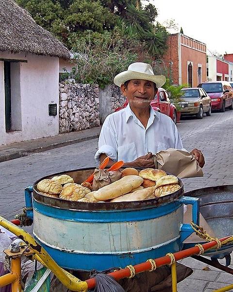 Un viaggio in #Messico va ben oltre le candide spiagge della Riviera Maya, a #Valladolid per esempio si trovano alcuni dei più bei cenotes della Penisola dello #Yucatan e per condire un itinerario alla scoperta di questa località ti consiglio di non perde