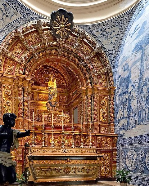 Faro, Portogallo  È proprio qui che, una settimana fa, ho detto le mie preghierine di Natale, ero a #Faro, in #Algarve, lontano da casa e desideroso di avere le persone a me care vicino. Ecco il mio più grande desiderio, qualsiasi sia la strada che prend