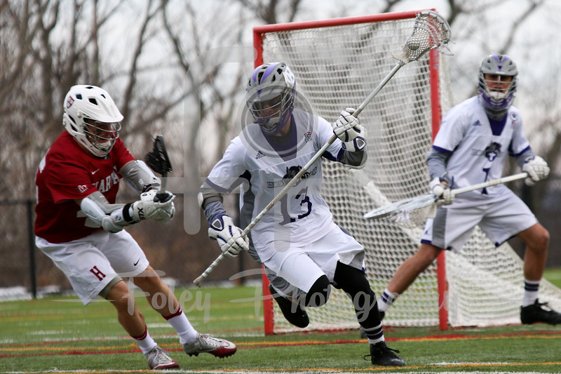 Holy Cross Crusaders defender Matt Farrell (13)