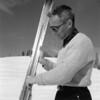 Mully Muldown Waxing his skis