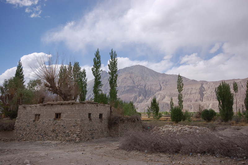 Deskit: A typical Nubra home