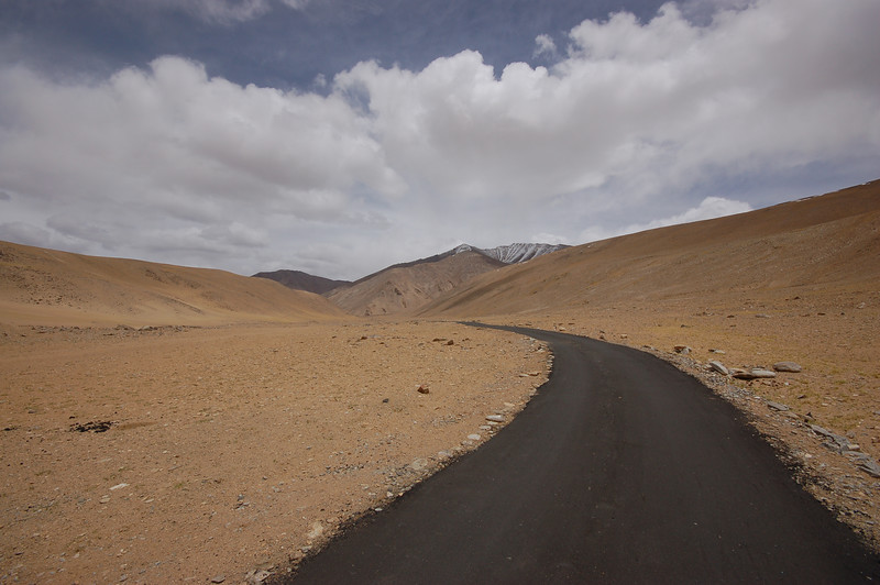 The road to Tso Moriri lake