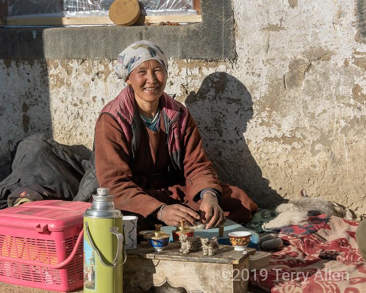 Ladakh woman feltng small snow leopards, Ulley, Ladakh