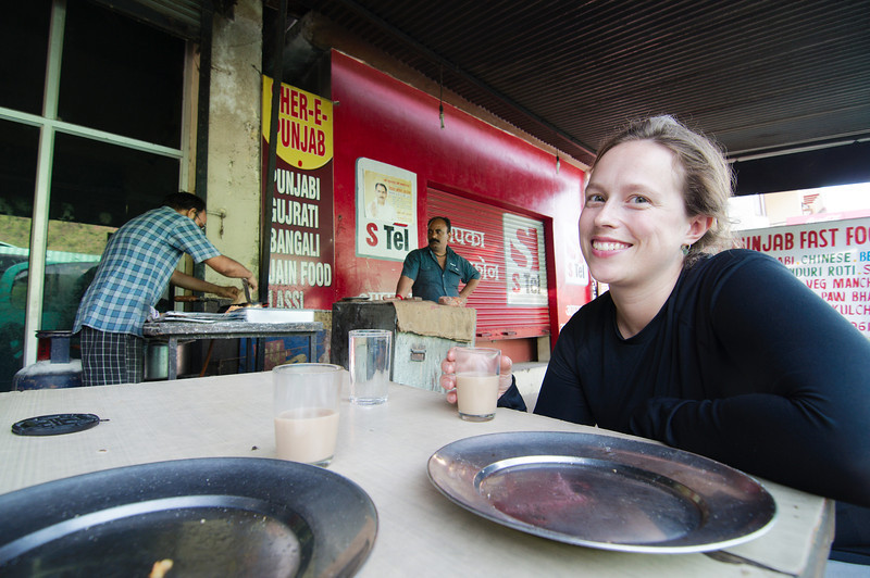 Breakfast stop on the Delhi-Manali bus trip