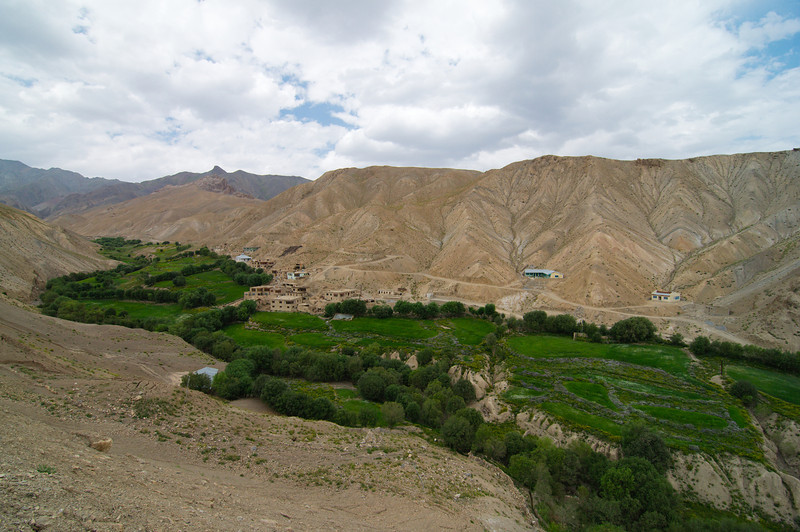 View fromthe descent of Namika La