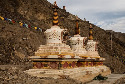 These were the most decorated stupas we saw in Ladakh. They are otherwise only plain white in colour, without any embellishments. We saw them on the way to the Lamayuru meditation hill.