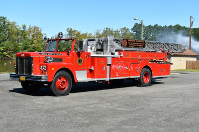 Chesterfield, New Hampshire - 1972 Maxim S 100 ft.