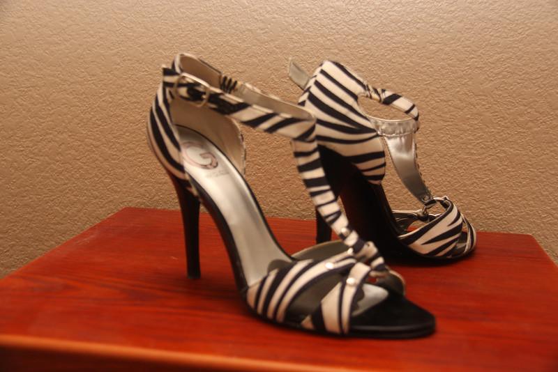 Guess T-Strap Zebra Sandals - Size 7.5