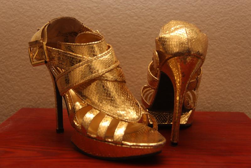 Wild Rose Gold Lame High Heel Platform Sandals - Size 7.5