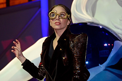 LADY GAGA Presents ARTRAVE in Celebration of her New Album ARTPOP