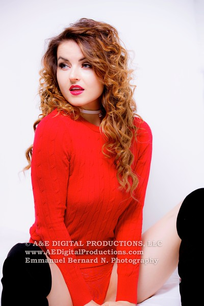 Lady in Red - Veronika LaVery