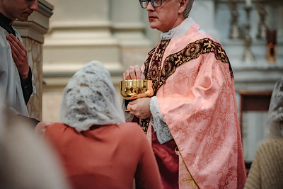 _NIK1552 Lent St  Peters Steubs LatinMass  Laetere