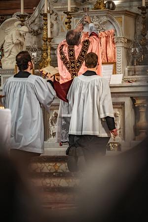 _NIK1539 Lent St  Peters Steubs LatinMass  Laetere
