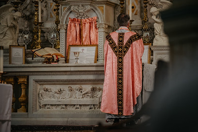 _NIK1526 Lent St  Peters Steubs LatinMass  Laetere