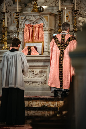 _NIK1510 Lent St  Peters Steubs LatinMass  Laetere