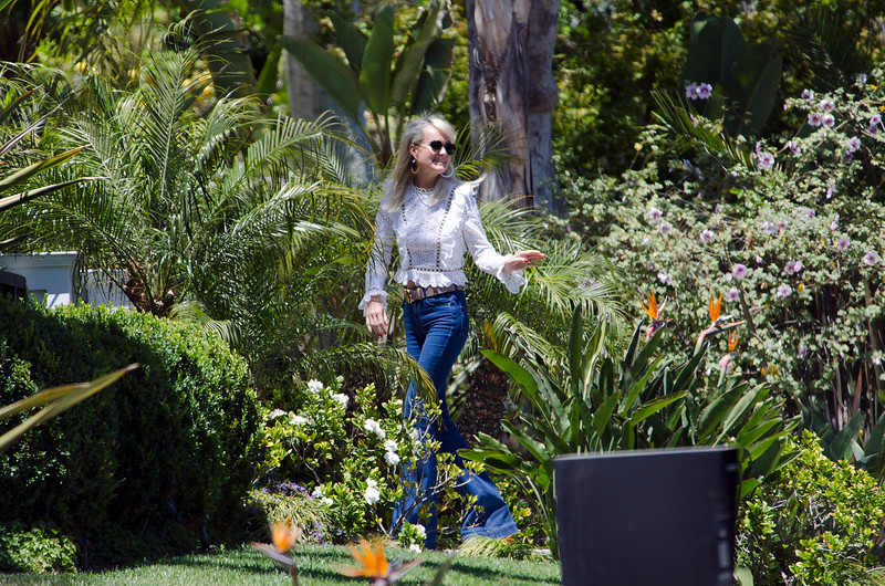 Laeticia Hallyday, Good Bye to her friends