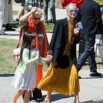 Laeticia Hallyday, Jade, Joy, Grandma Went to the Church.