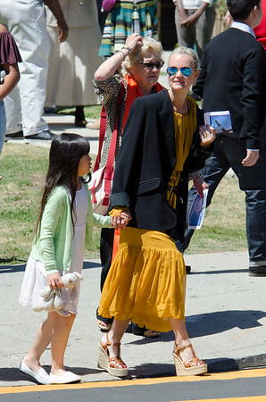 Laeticia Hallyday, Jade, Joy, Grandma Went to the Church.