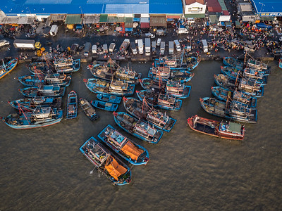 Boats and Lagi Seafood Market