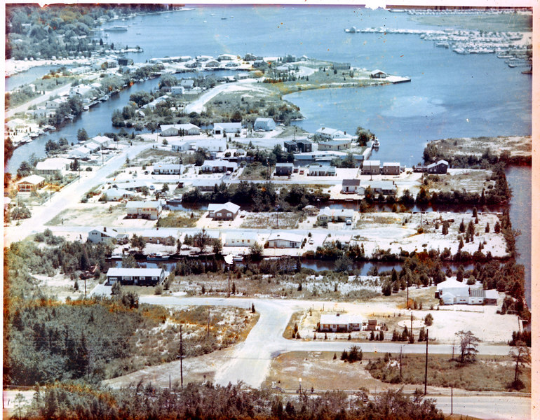The way it pretty well looked when we first moved in.<br /> Our lagoon was the one at the bottom of pic, third house in hidden by the trees.