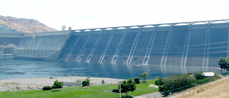 Left powerplant (left) and main dam